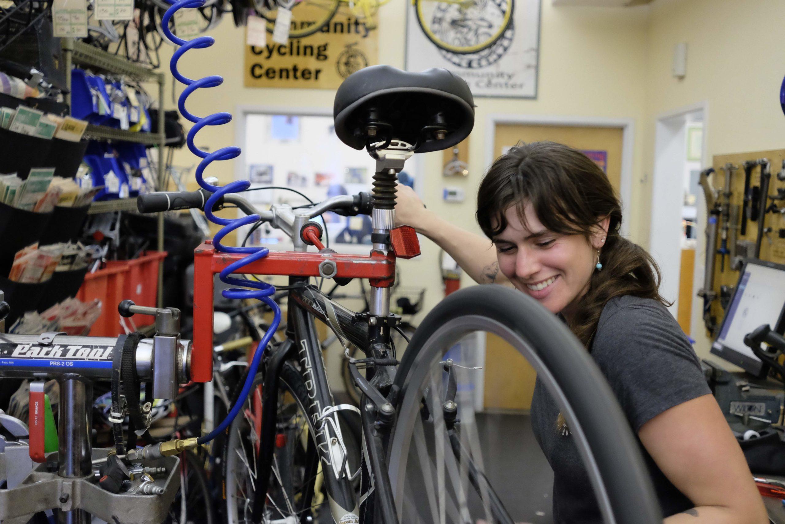 Mud Sweat and Gears MTB Mountain Bike Down Hill Cycling Coffee Tea Cup Cafe Mug
